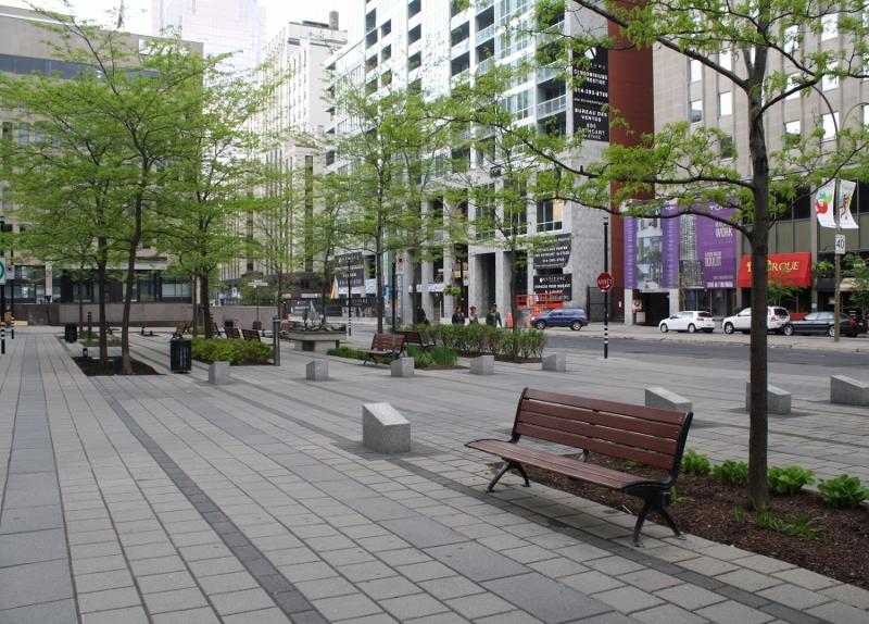 Montreal plazas 6