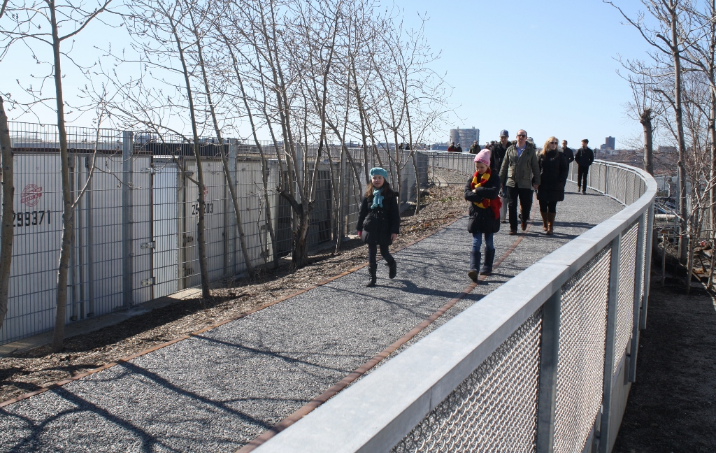 High Line at the Rail Yards 8